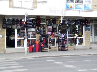 Bosnyák Bőrdíszmű Bolt